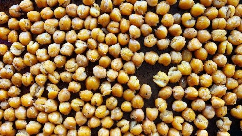 Oven-Roasted Chickpeas Are What I Make When I'm Out of Potato Chips