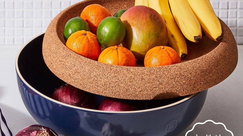 This Storage Bowl Is Like a Hot Lifeguard... For Your Fruit