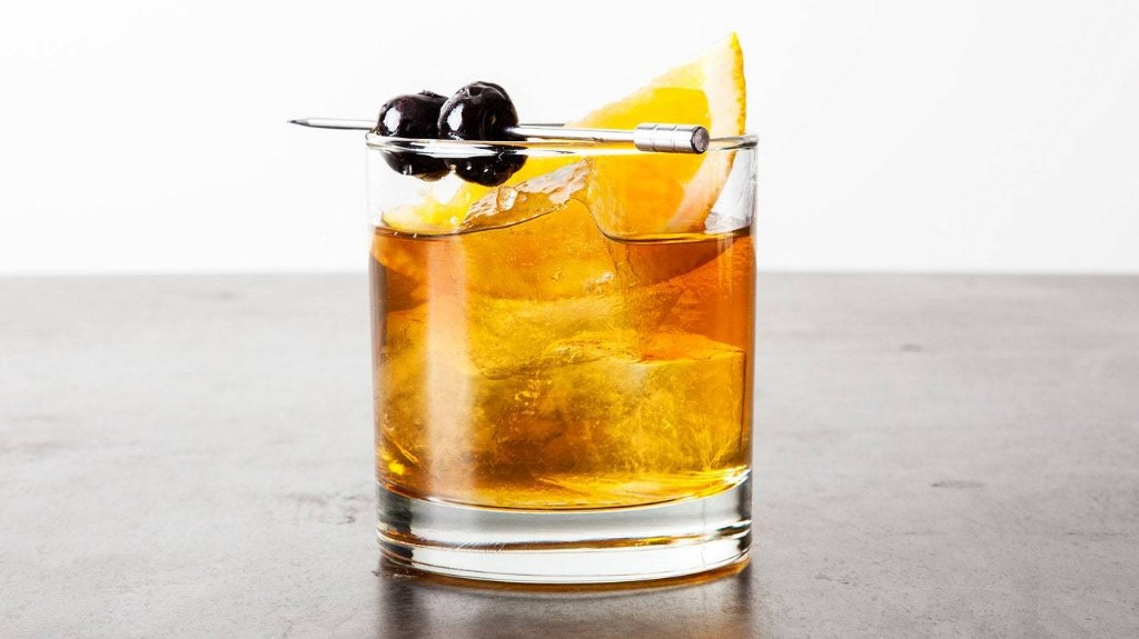 24 Classic Cocktails You Need to Know How to Make
