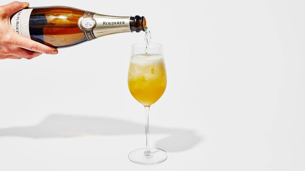 A French 75 Will Make New Year's Feel Fancy, Even If You're Wearing Pajamas