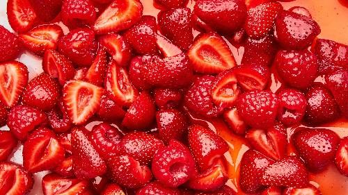 These 2 Ingredients Make Even Mediocre Berries Taste Irresistible
