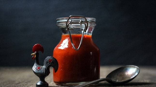 A Recipe for Homemade Sriracha, for Die-Hard DIYers