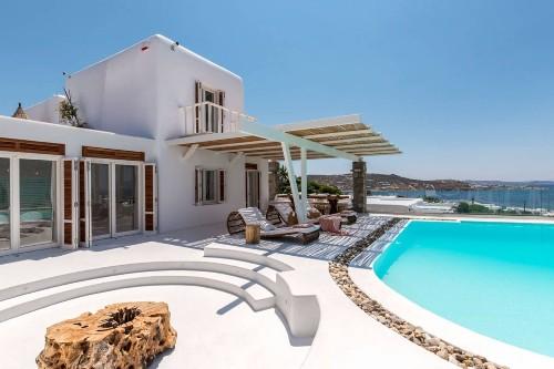 12 Airbnb Properties Ideal for a Romantic Grecian Getaway