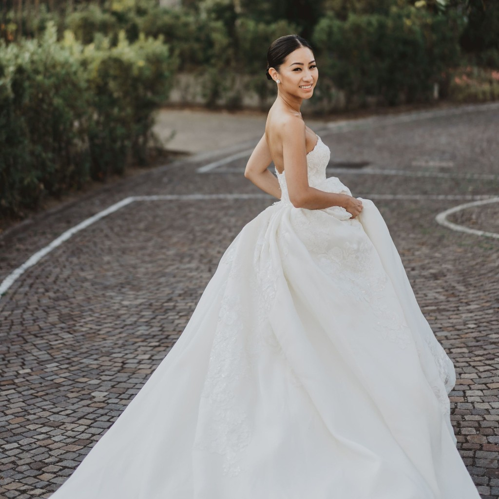 45 Timeless Wedding Dresses for the Classic Bride
