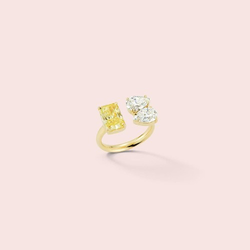 35 Uniquely-Shaped Engagement Rings For The Unconventional Bride