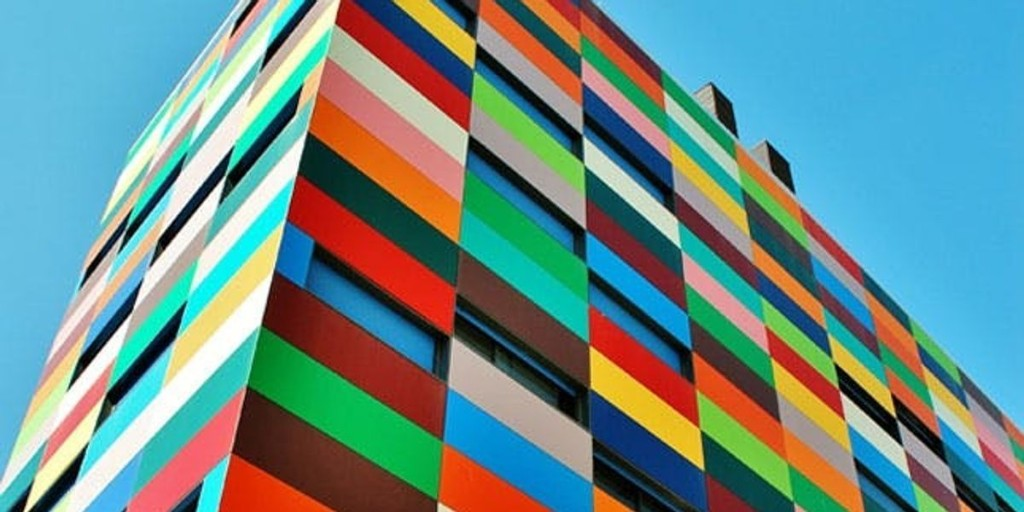 18 Cool Color Blocked Buildings
