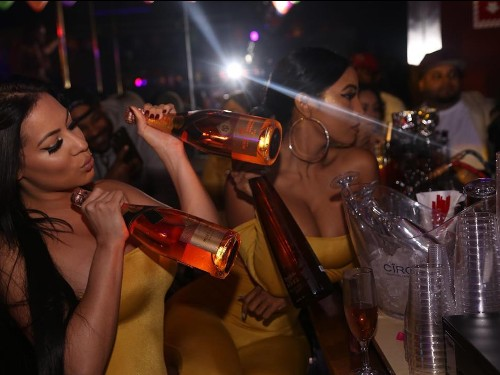 NYC strippers strike against unfair bottle-girl treatment - Business Insider