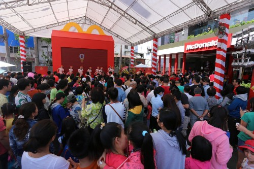 McDonald's Brand-New Vietnam Restaurant Is Already A Total Mob Scene