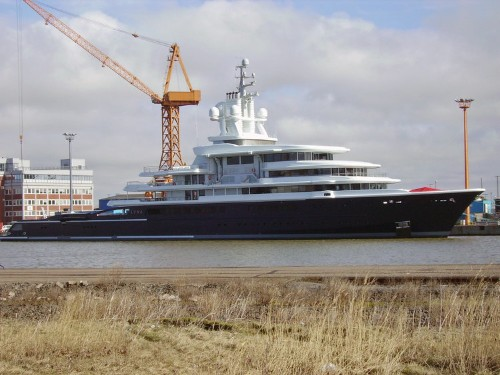 The 22 Biggest Yachts In The Seas