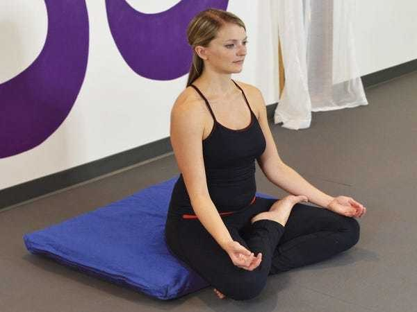 How to start meditating if you've never done it before, and the tools you need to do it - Business Insider