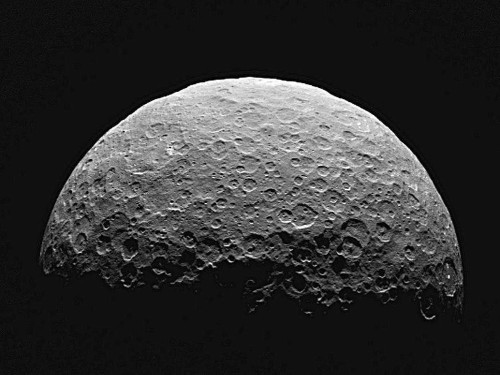 The dwarf planet Ceres may have a huge ocean that could support life