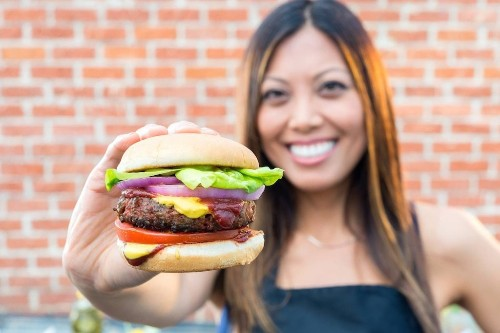 Beyond Meat extends its post-IPO surge to 734%, breaking the $200-a-share threshold for the first time (BYND)