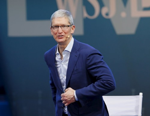 Google paid Apple $1 billion in 2014 just to stay as the default search engine on the iPhone