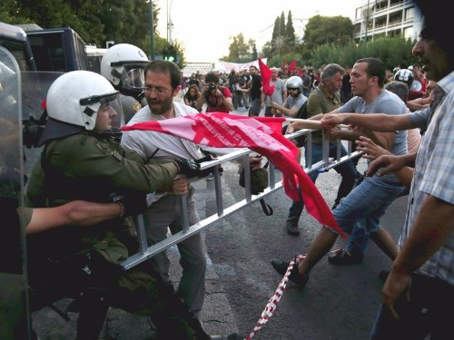 Greece polls show 'Yes' and 'No' are tied — and a close result could be the worst outcome