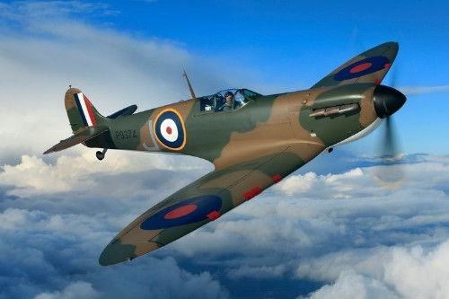 This incredible WWII plane owned by Thomas Kaplan just sold for $AU6.4 million