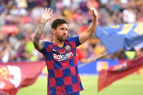 Lionel Messi was signed by Barcelona on a paper napkin aged 12 - Business Insider