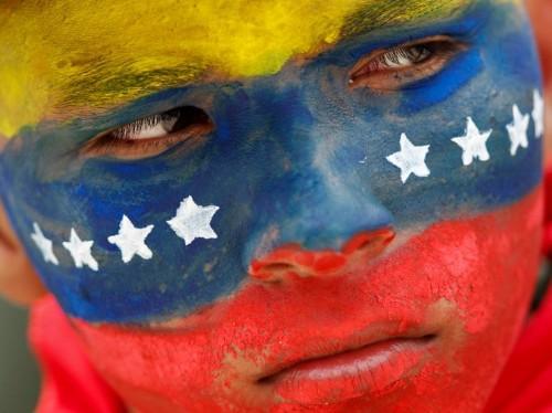 Venezuela raises gas prices 6,200%