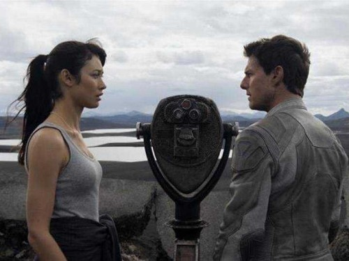 'Oblivion' Reviews: Tom Cruise's New Film Is Like A Live-Action 'Wall-E'