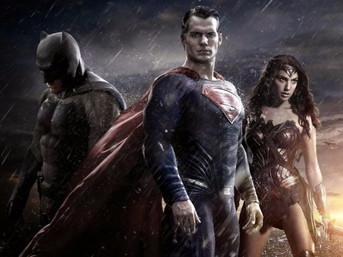 9 things you probably missed in 'Batman v Superman'