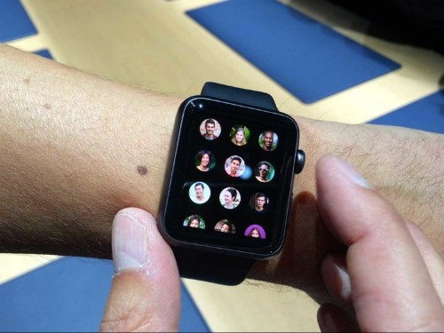 REPORT: Apple Will Start Mass Producing Its Smartwatch In January