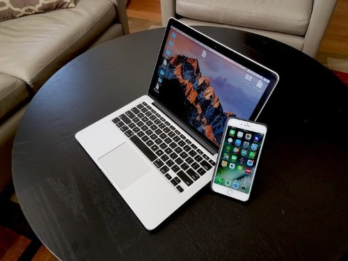 How to mirror your iPhone's screen onto a Mac computer, using QuickTime or a third-party program
