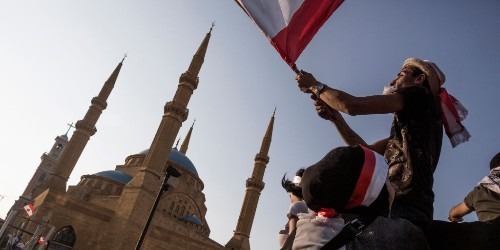 Lebanon protests over $0.20 tax turned to corruption over three days - Business Insider