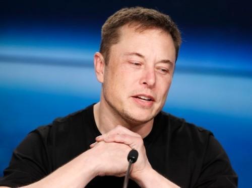 Tesla new Autopilot lane-change feature worse than human driver