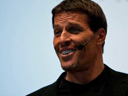 Multimillionaire celebrity coach Tony Robbins shares a life-changing moment that forever changed how he thinks about money