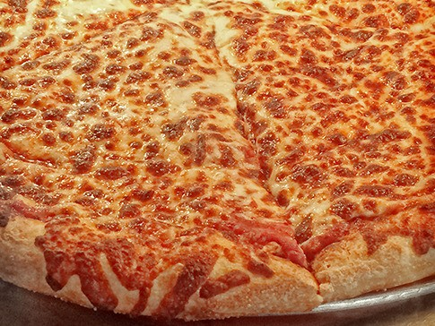 Costco is becoming one of the most popular pizza chains in America by offering one huge incentive