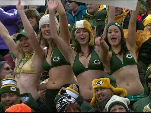 Green Bay Packers Fans Wearing Bikinis In 20-Degree Weather