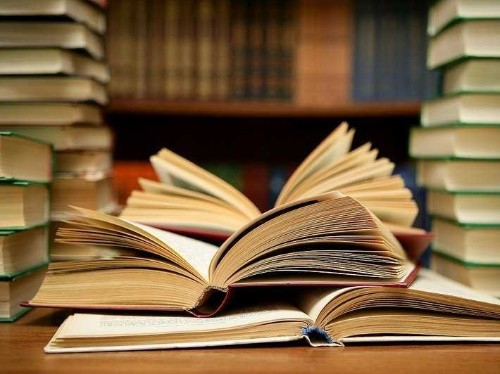 Daniel Pink Recommends These 5 Books To Improve Your Thinking
