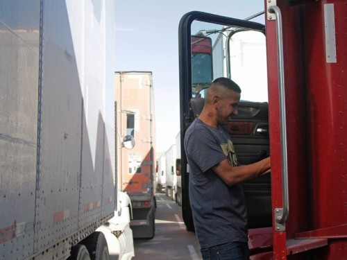 Truckers warn of a 'bloodbath' as trucking companies go bankrupt and slash profit expectations