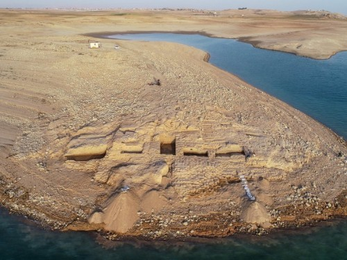 A prolonged drought helped archaeologists uncover a mysterious Bronze Age palace in the Middle East