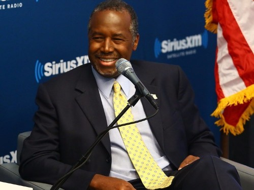 Ben Carson keeps making provocative statements — and conservatives love it