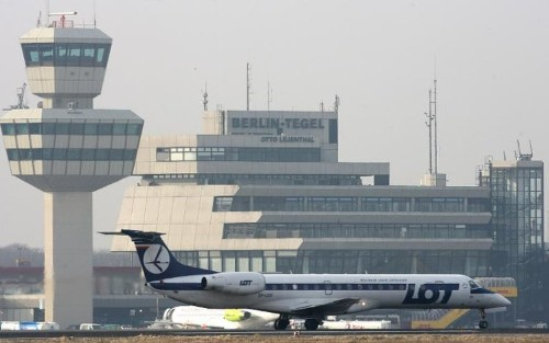 Hackers target Polish airline LOT, ground 1,400 passengers