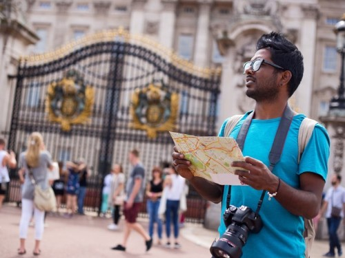Tourists make easy marks — here are 9 of the most common scams to watch out for on your travels