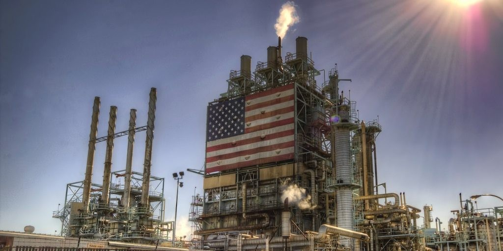 US cuts oil production forecast through 2021 - padding the crushed market before a critical OPEC meeting | Markets Insider