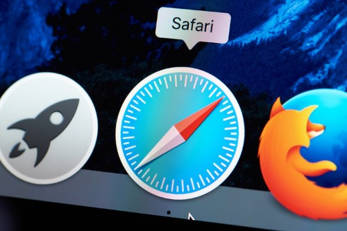 How to add websites to your Favorites on a Mac using Safari