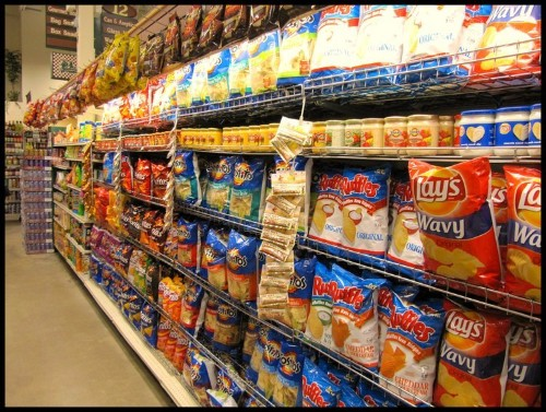 Scientists figured out what's making these California shoppers buy more junk food