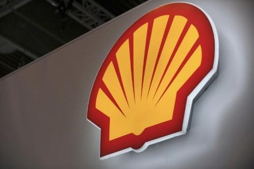 Royal Dutch Shell to cut 6,500 jobs on oil price slump