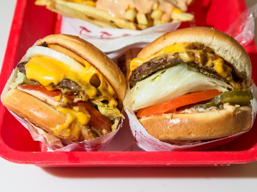 Obsessed In-N-Out customers say that the chain has the best burger in fast food - Business Insider
