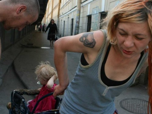 These Photos Of A 2-Year-Old And Her Drug-Addict Parents Started A Huge Controversy