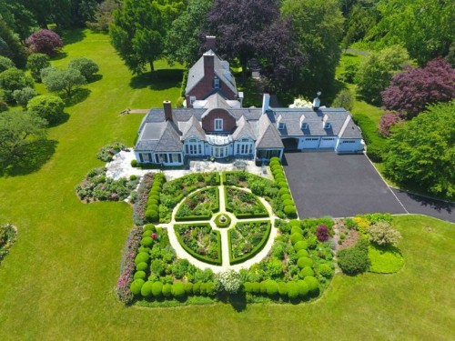 The 24 richest suburbs in America