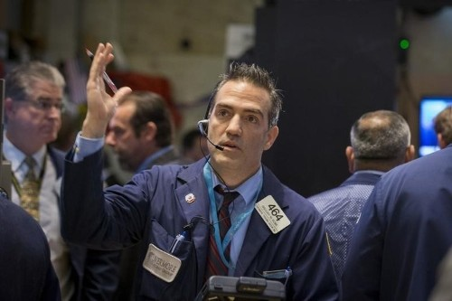 U.S. stock futures fall on fresh China woes; bank results in focus