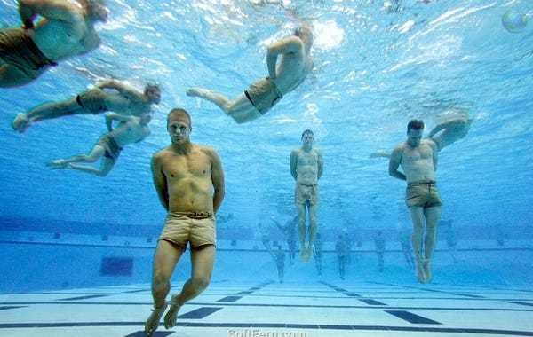 Here's the technique Navy SEALs use to swim for miles without getting tired - Business Insider