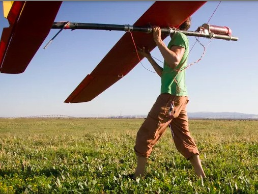 Google is ramping up hiring for its ambitious plan to make 'energy kites'