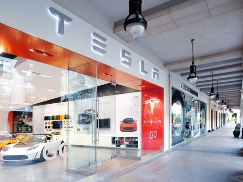 A Petition To Let Tesla Sell Cars Directly To Drivers In Every State Has Over 100,000 Signatures