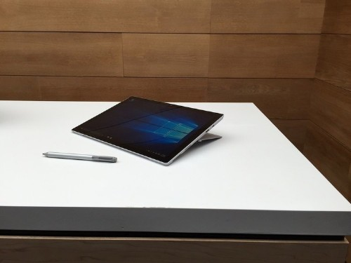 Microsoft's new Surface Pro 4 tablet is super thin, and its keyboard is a lot better