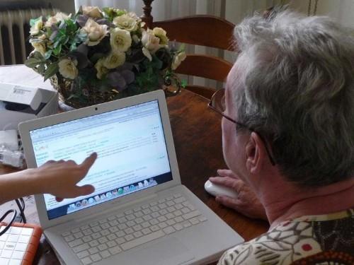 American seniors seem to be more tech-addicted than millennials, Gen Z