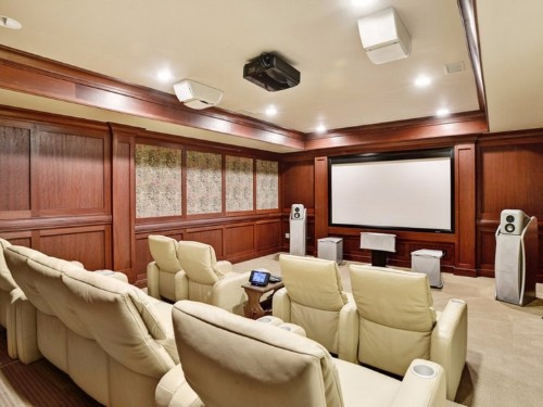 10 devices you should pick up if you want an incredible home theater